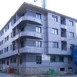 Vista exterior de un edificio de nueva construcción