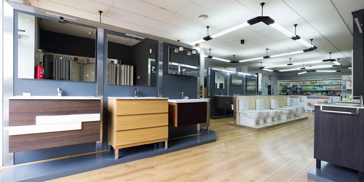Interior de la tienda de Saneamientos Campos